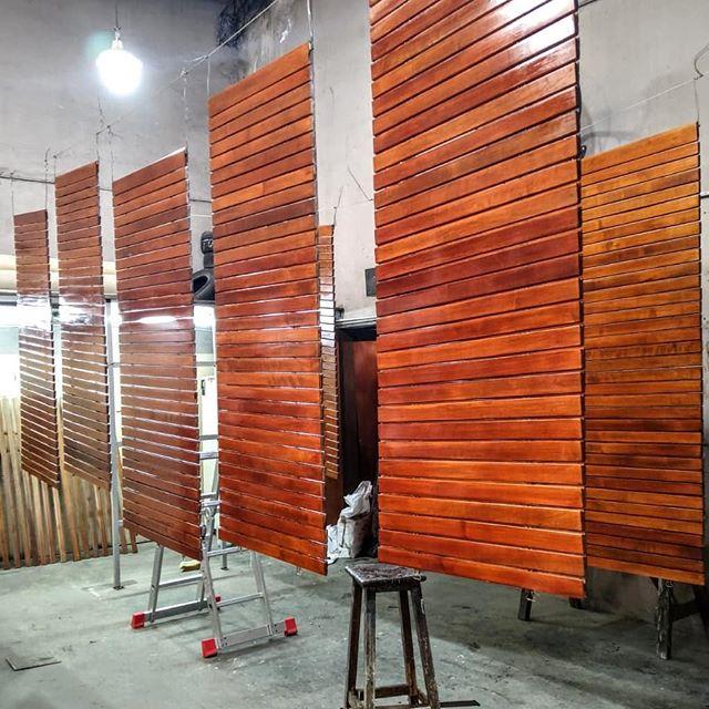 Persianas de enrollar de madera